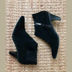 Kenneth Cole Black Suede Ankle Booties